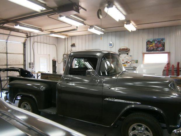 auto glass truck